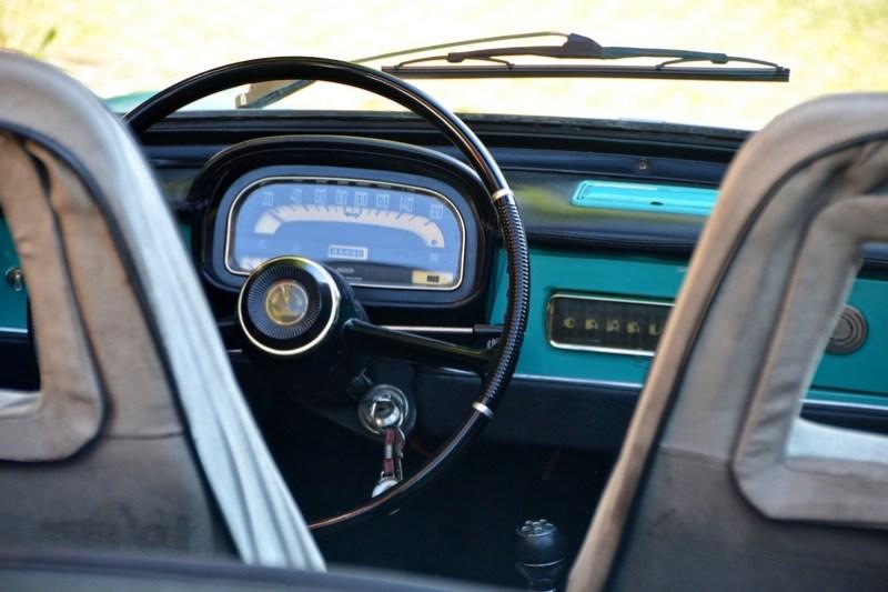 photo couleur intérieur voiture collection ffve