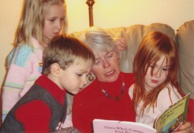 Bev-reading-to-kids