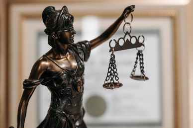 Scales of Justice - Conflict of Interest and Expert Witness