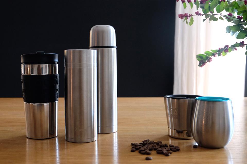 Thermos et mugs réutilisables comme alternatives au plastique