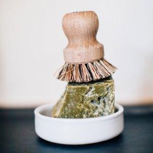 Faire la vaisselle à la maison grâce au savon de Marseille