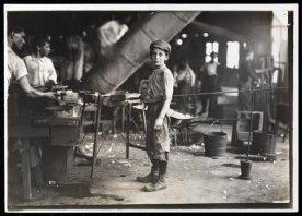 jacob-riis-boy-in-a-factory
