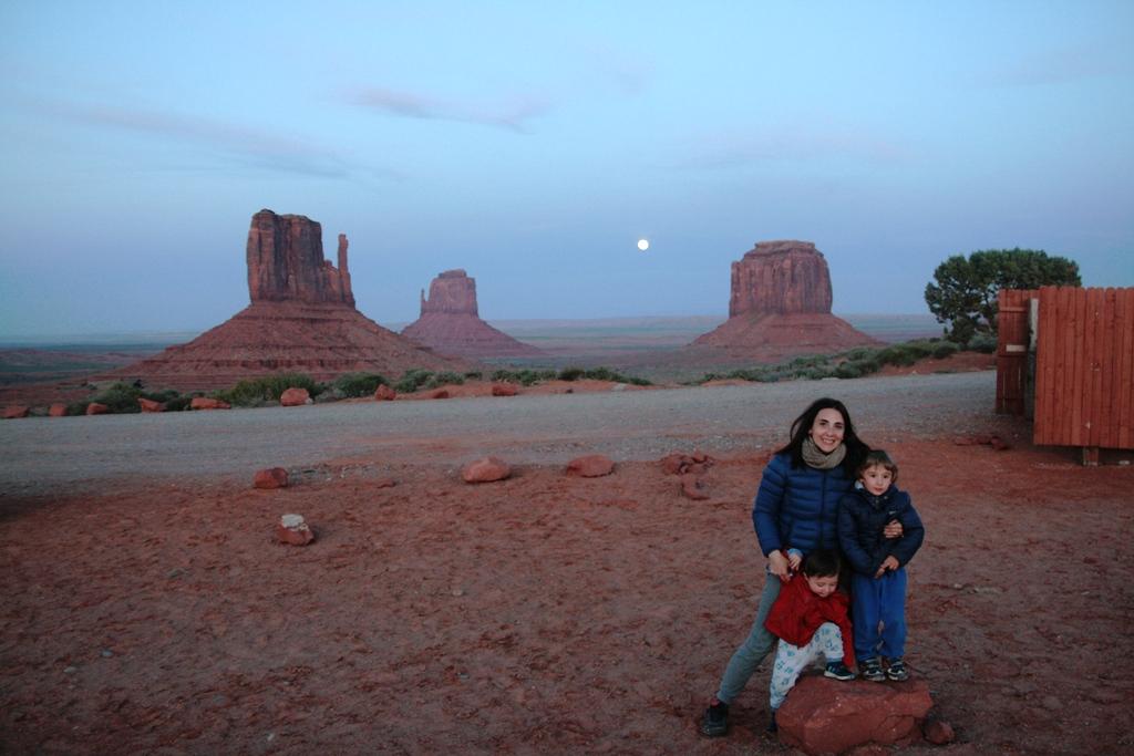 noleggio camper usa mamma con bambini alla monument valley