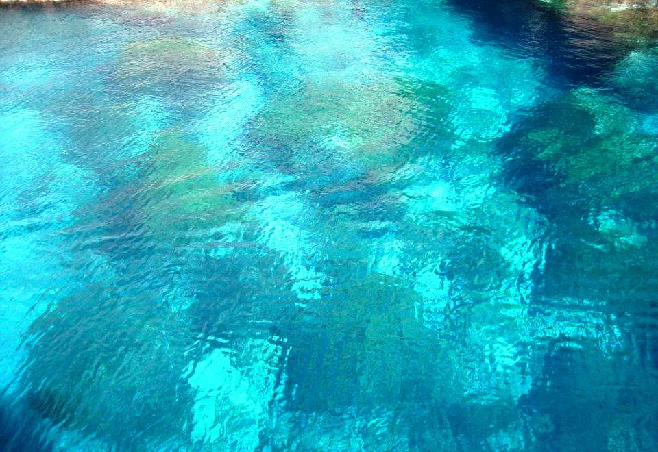 mare turchese di filicudi alle isole eolie