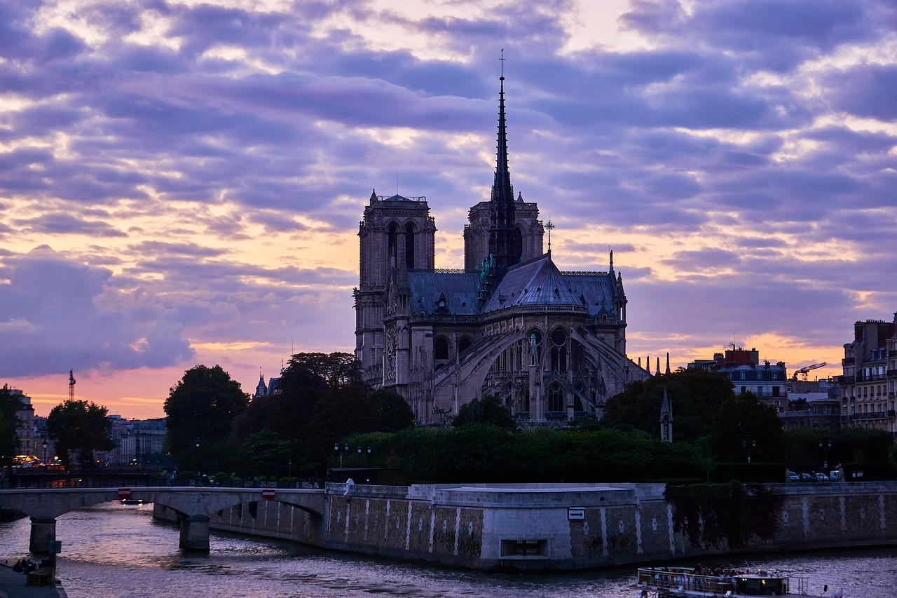 la senna e notre dame de Paris