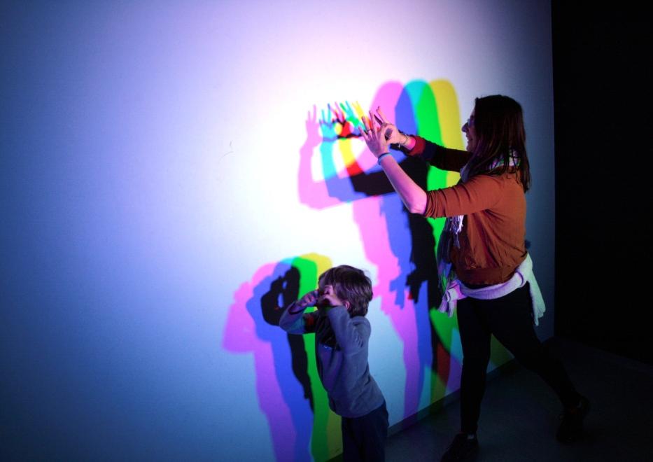 stanza dei colori al museo delle Illusioni Lubiana