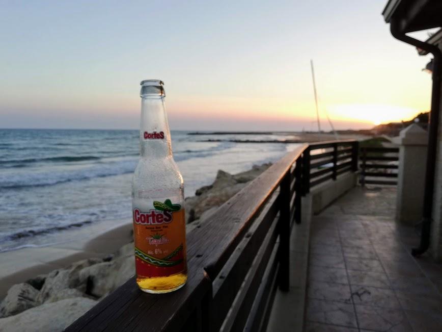 tramonto dalla casa sulla spiaggia a Donnalucata