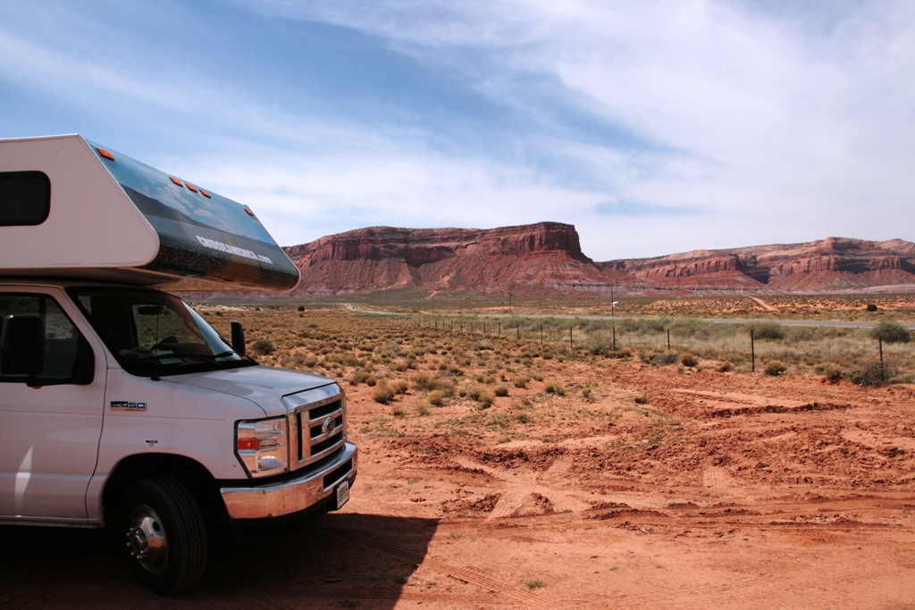 camper nella monument valley