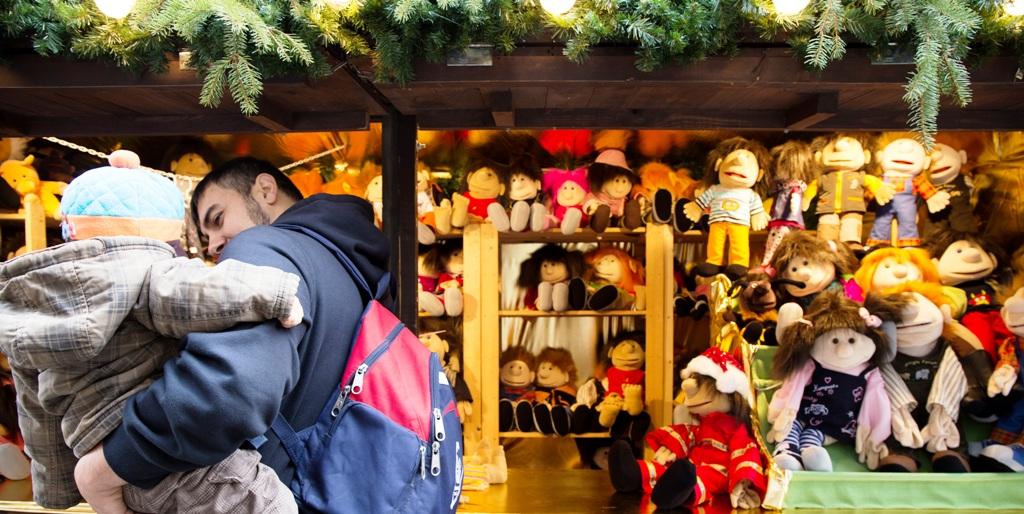 bambole ai mercatini di natale in germania