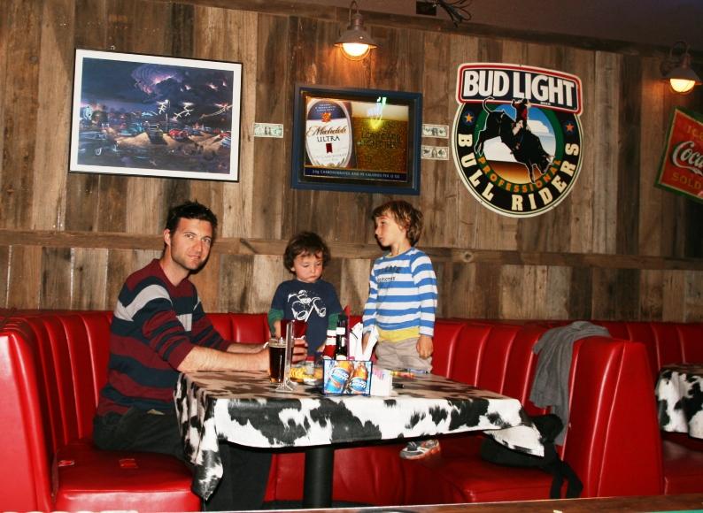 bambini al ristorante sulla route 66