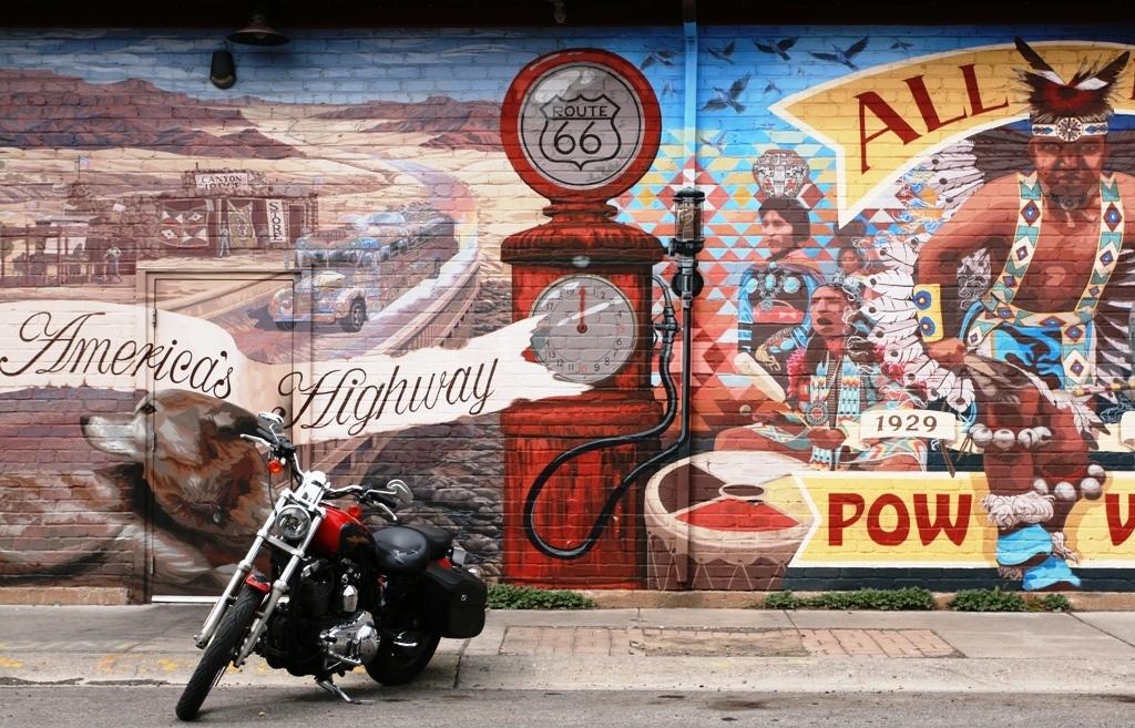murales Route 66 a Flagstaff da visitare anche con i bambini