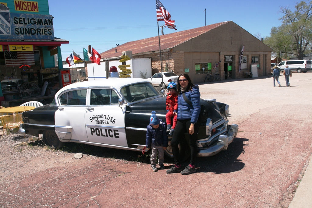 bambini a Seligman sulla route 66