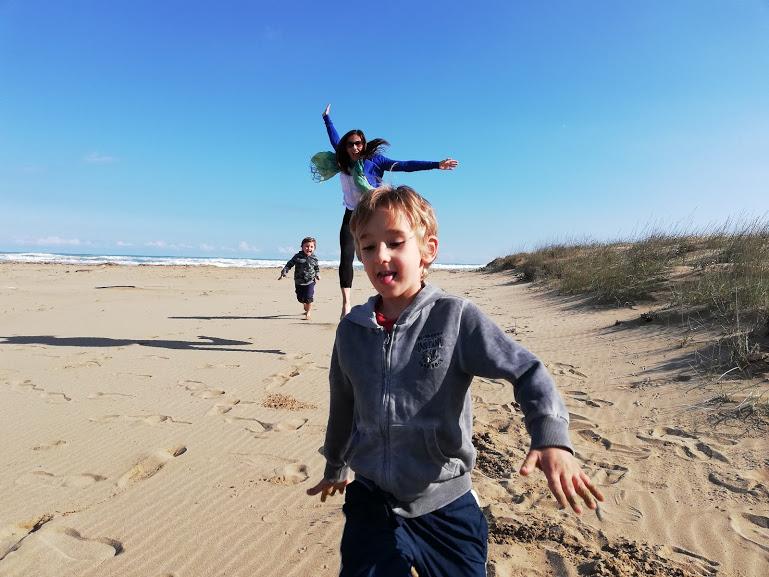 spiaggia con bambini in Sicilia