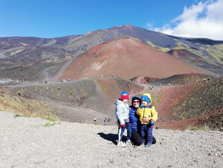 mamme e bambini sull'Etna