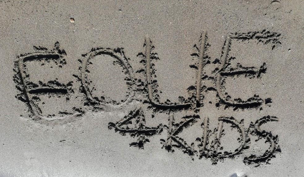 spiaggia di sabbie nere a Vulcano