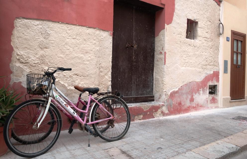 una bici sulle strade di Favignana