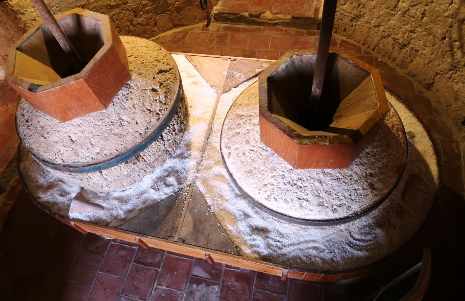 antiche macine al museo del sale di Marsala