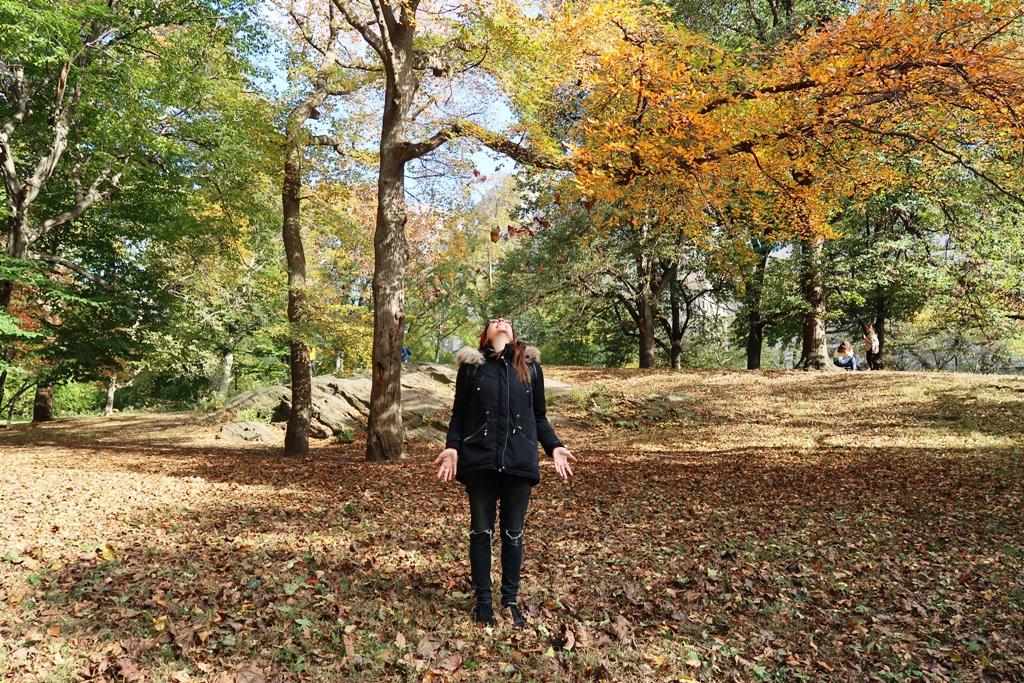 una donna a central park