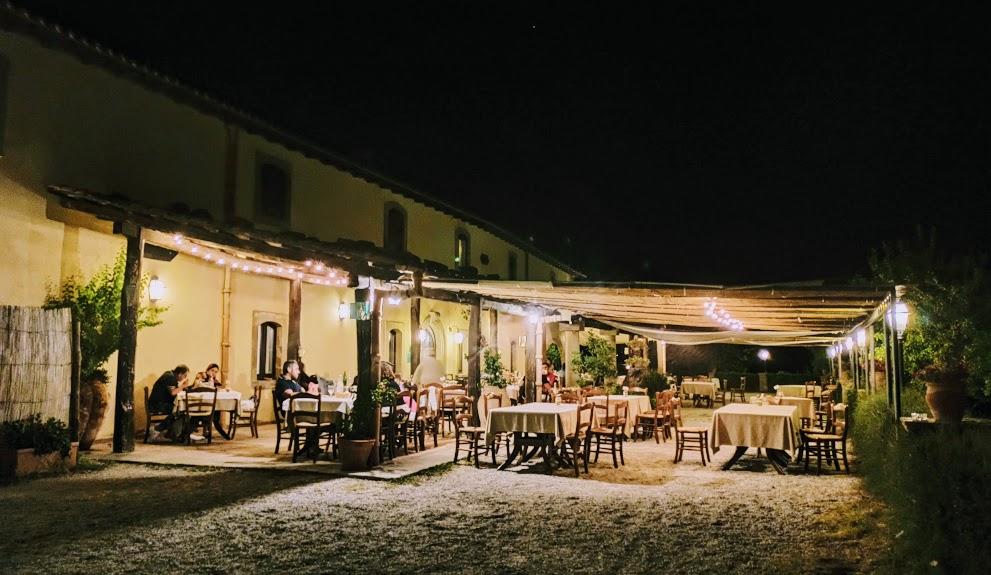 ristorante sui nebrodi di sera