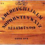 Le Ouija, outil de communication avec les morts