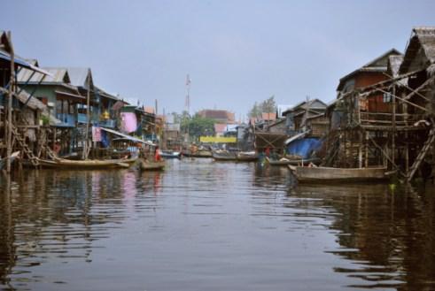 marché flottant de tonlé Sap Cambodge