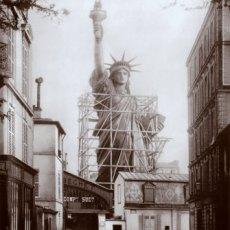 Paris-rue-de-Chazelles