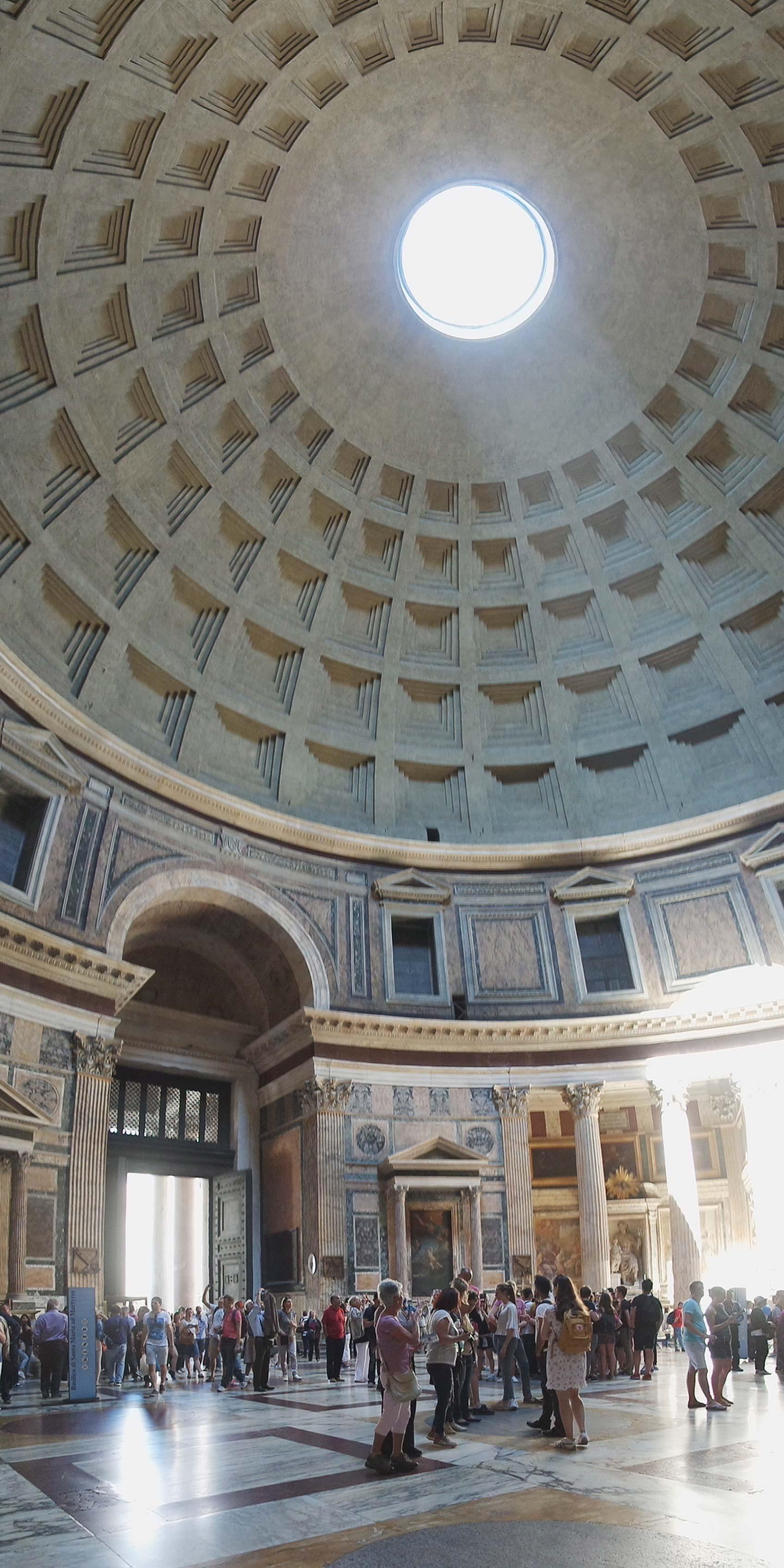 le pantheon rome italie