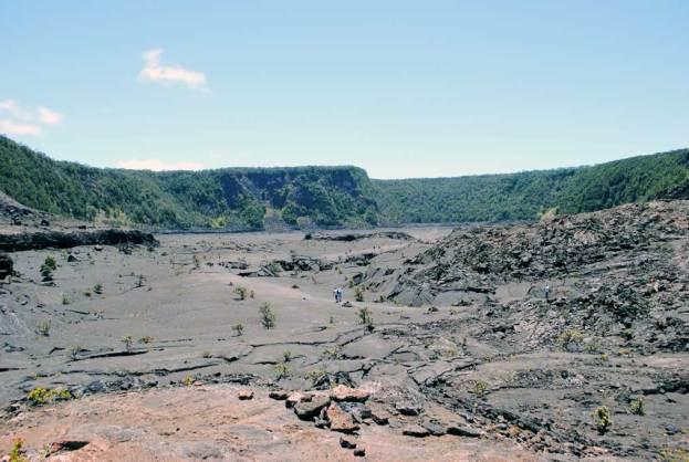 big-island-clairesblog-hawaii-volvan-kilauea-iki-trail-2