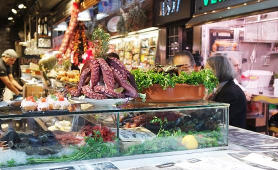 Barcelone-Espagne-la-boqueria-marché-poulpe