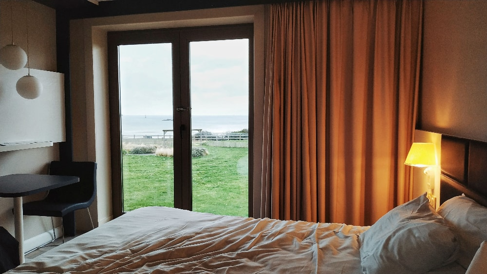 Thalasso-dinard-bretagne-chambre-vue-sur-mer
