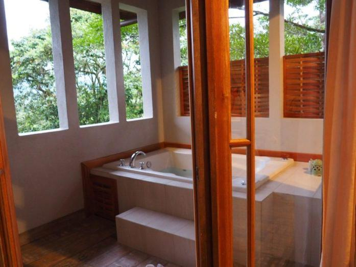 Where to stay in Costa Rica - Lost Iguana Resort