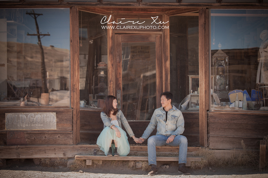 Eastern_Sierra_Fall_Bodie_Ghost_Town_Engagement-11
