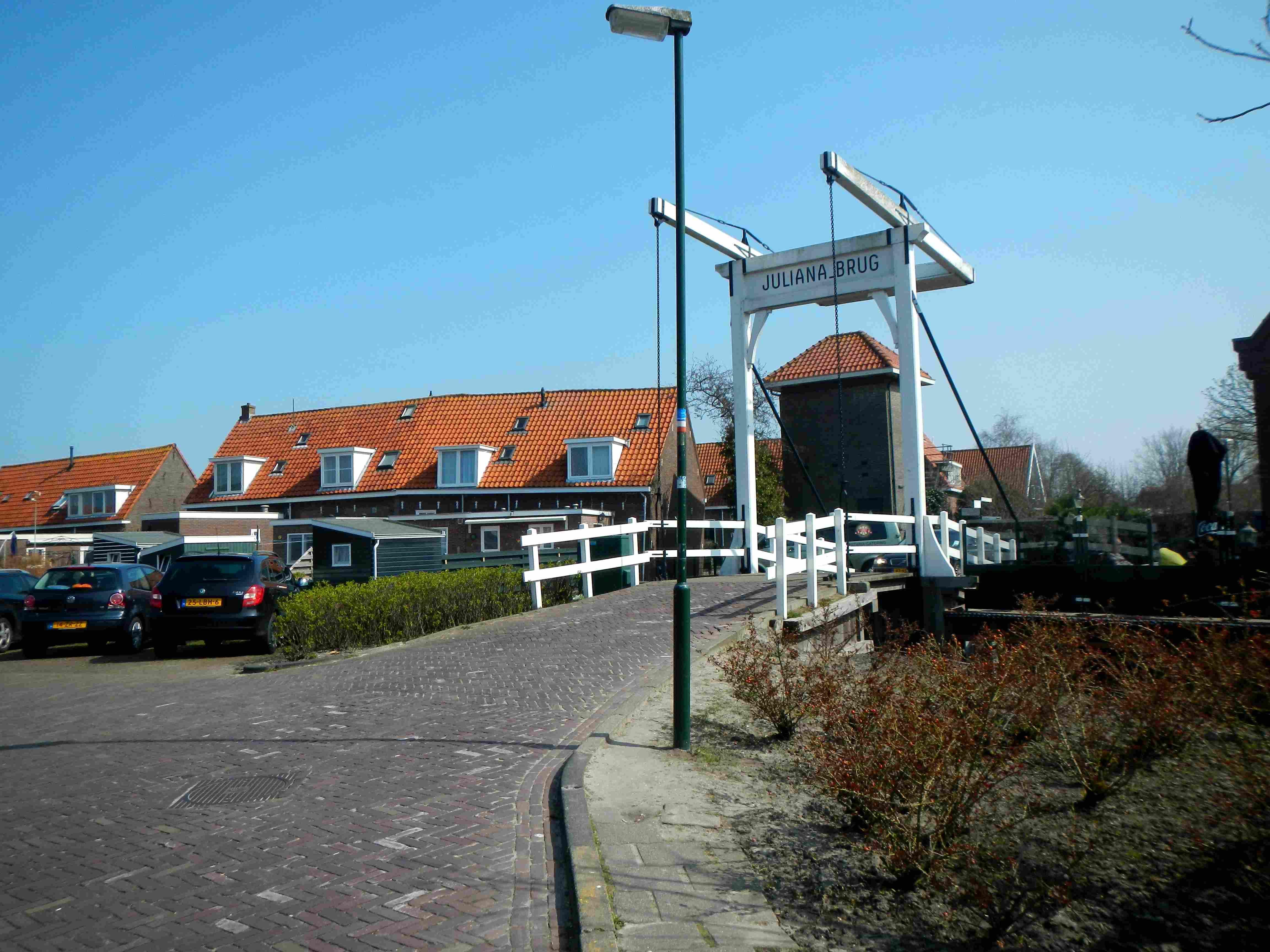 Déjeuner sur le port de Volendam - Amsterdam - Claironyva