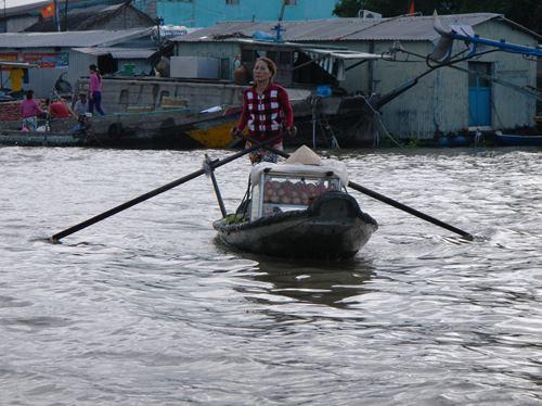Claironyva-Vietnam-CanTho-barque-marchande