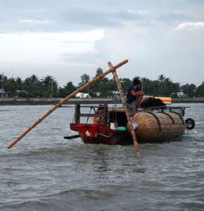 Claironyva-Vietnam-CanTho-barque-pêcheur