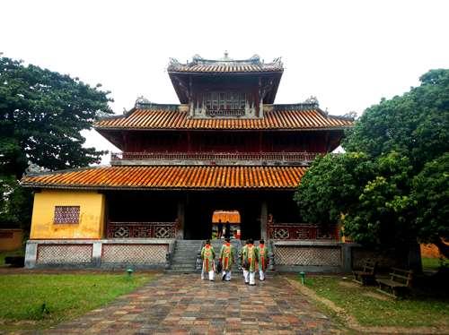 Claironyva Vientam Hue Temple To Mieu
