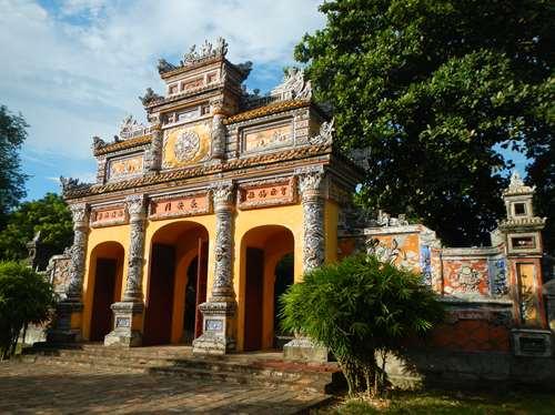 CLaironyva Vietnam Hue