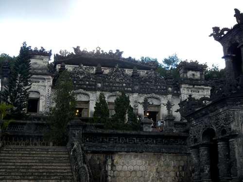 Tombeau de Khai Dinh à Hue