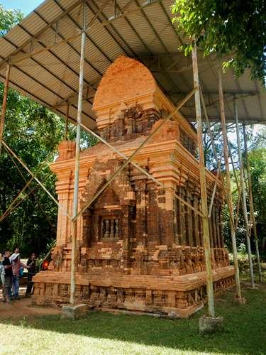 My Son - Vietnam - Claironyva Restauration d'un temple - My Son