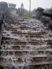 Déluge au tombeau de Khai Dinh