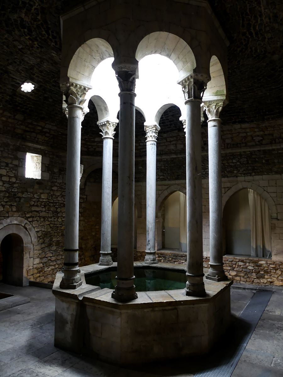 gerone claironyva week end game of thrones bains arabes