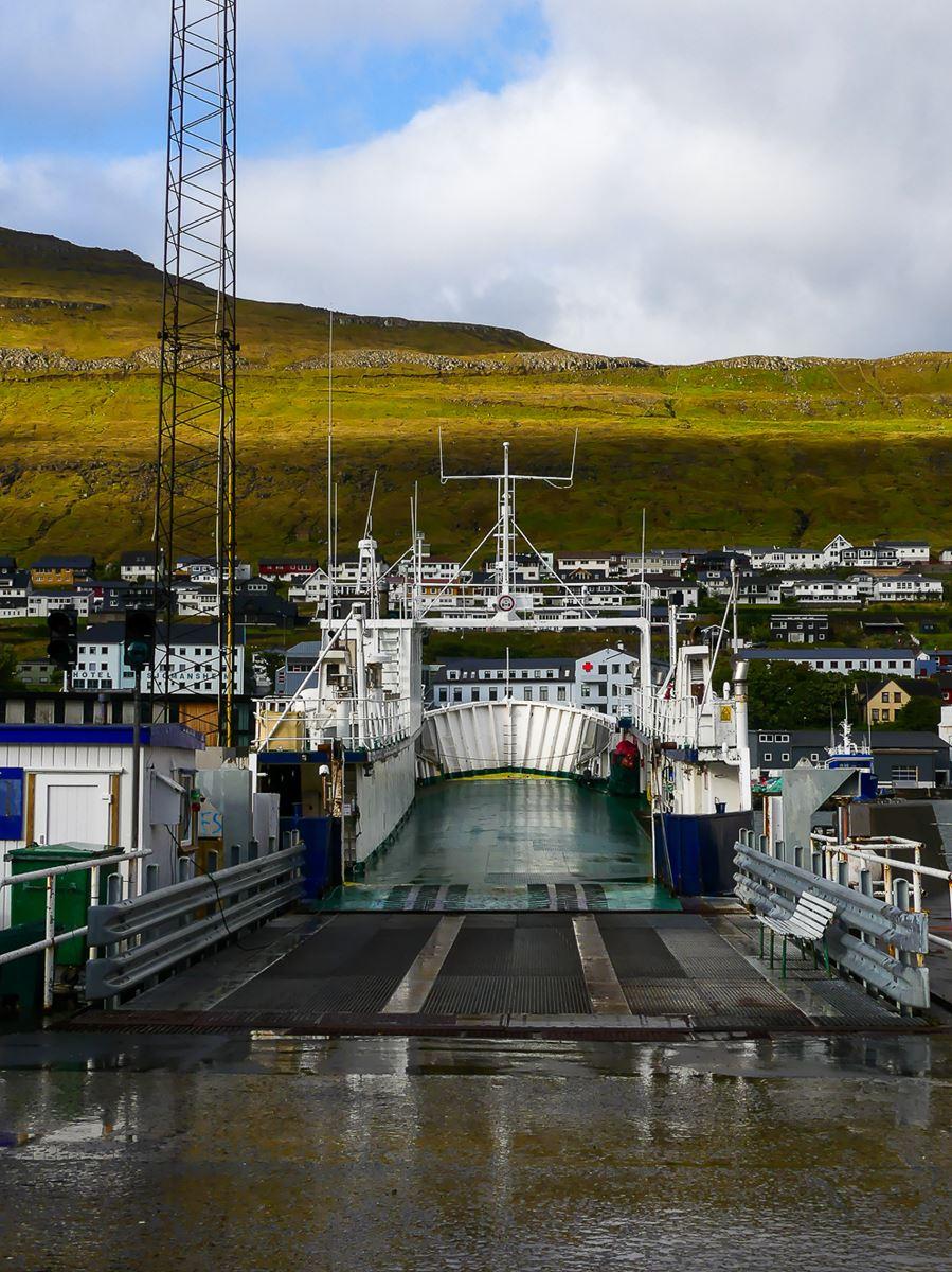 Le ferry pour Kalsoy
