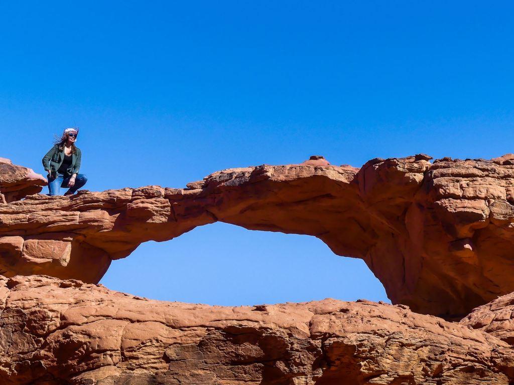 Wadi Rum - Arrêt 4 - petite arche dans le vent