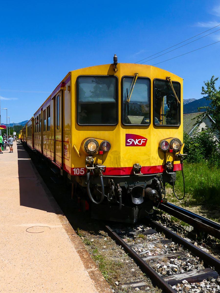 Train-jaune-pyrenees-orientales depuis Villefranche