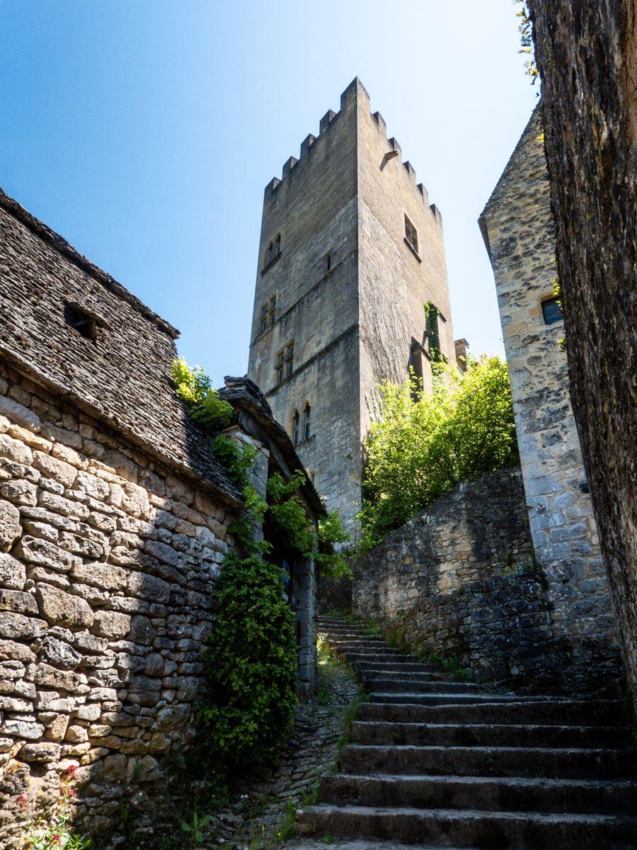 Montée vers le château - Beynac-Cazenac