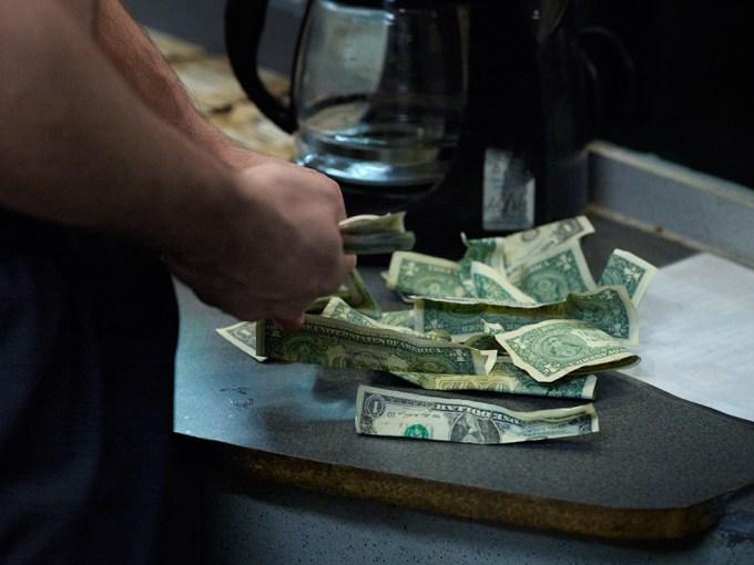 Jan Rattia, Money