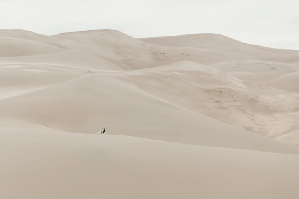 great-sand-dunes-colorado-elopement-clancey-4 (1)
