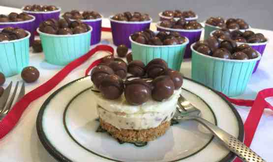 Mini Malteser Cheesecakes