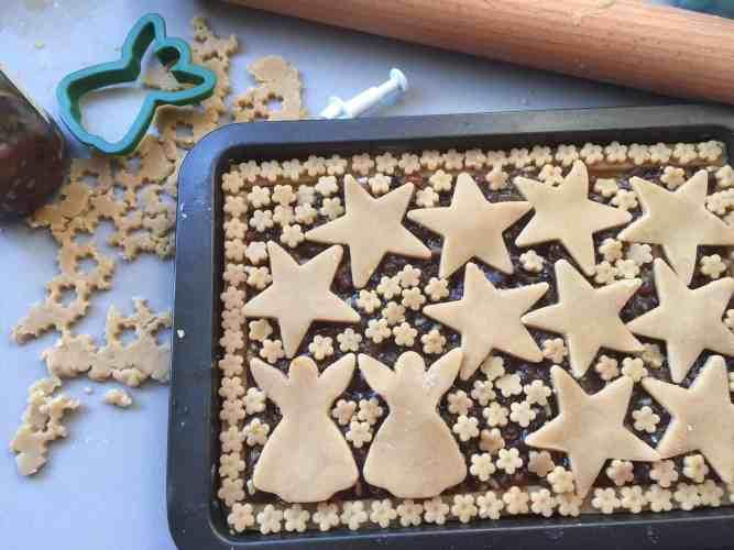 Mincemeat tray bake