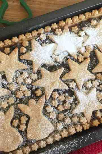 Mincemeat slices.